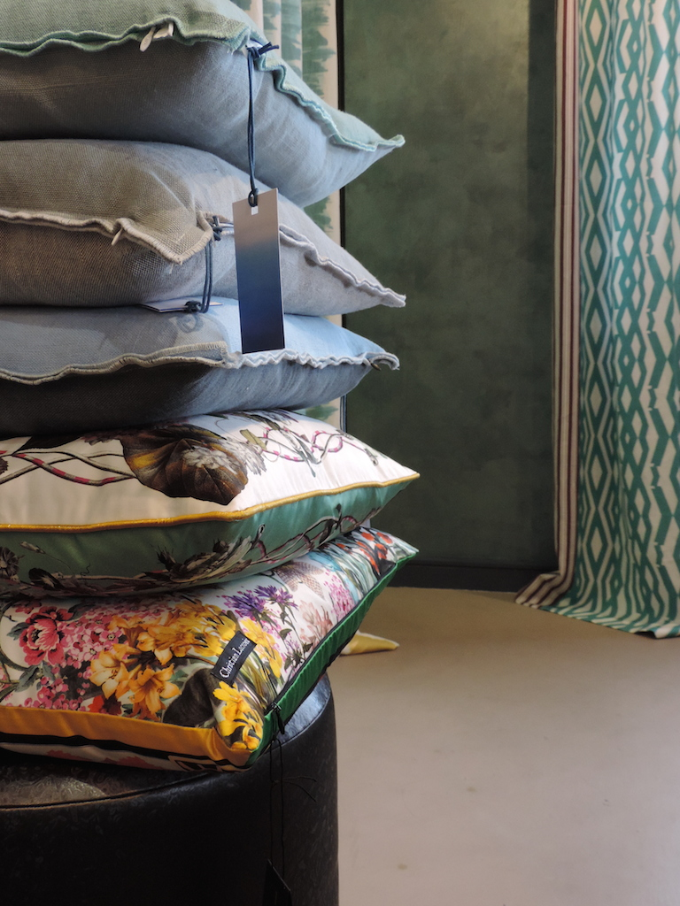 showroom Gland, nouvelles collections PRINTEMPS-ETE   Gland showroom, new spring collections 2016