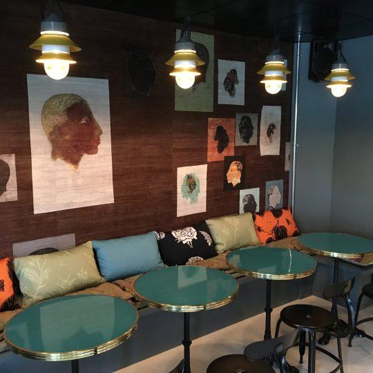 décoration intérieure, bar à vin / interior design, wine bar / Divonnes-les-Bains, Pays de Gex